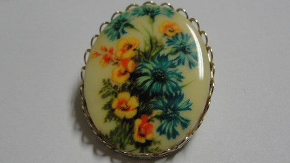 Vintage Yelllow and Blue Oval Acrylic Brooch