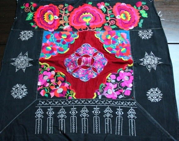 Textiles -  Hmong Baby Carrier/ Hmong / Miao fabric / Hmong embroidery panels - 628