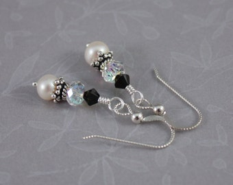Black and White Elegance pierced earrings