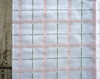 vintage pink flocked fabric - 60s cotton with scallops