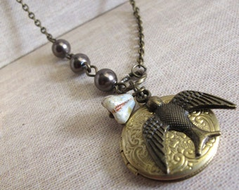 Vintage Style Locket. Nature Woodlands inspired Locket Necklace. Flying Swallow Bird And Pearls. For Her. Graduation Gift. Christmas Gift