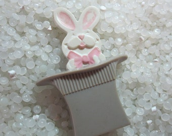Vintage Avon rabbit in a hat pin