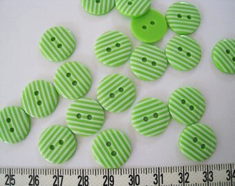 30 pcs of   Stripe  Button in Green and White  - 15mm