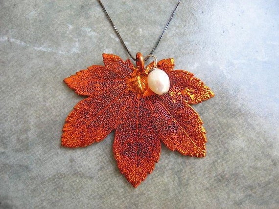 Real Leaf Necklace Pendant - Maple - Freshwater Pearl