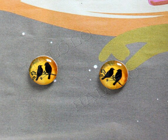 Sale - 10pcs handmade two birds silhouette on retro yellow round clear glass dome cabochons 12mm (12-0156)