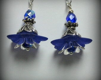 Royal Blue Lucite Daisies, Czech Glass Beads Crystals and Silver Earrings (es11)