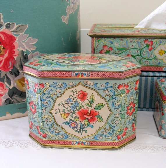 Daher Tin Litho Metal Candy Box Shabby Cottage Style
