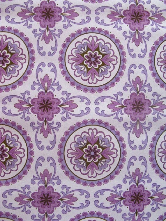 vintage wallpaper - mauve medallions - per half yard - FOLDED