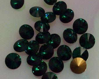 12 ss34 Emerald Rivoli Vintage Swarovski ss34 Emerald Green Rivoli Dark Green Jewels