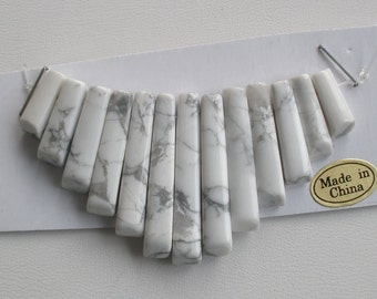 Stone Collar White Howlite 13pc Graduated Spikes