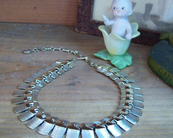 Vintage Lisner Necklace Adjustable Choker Brushed Goldtone Metal