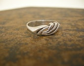 CLEARANCE vintage silver ring size 5.5