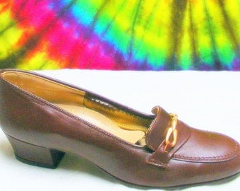6 M vintage 70's brown leather REVOLUTIONS pumps secretary loafers shoes NOS