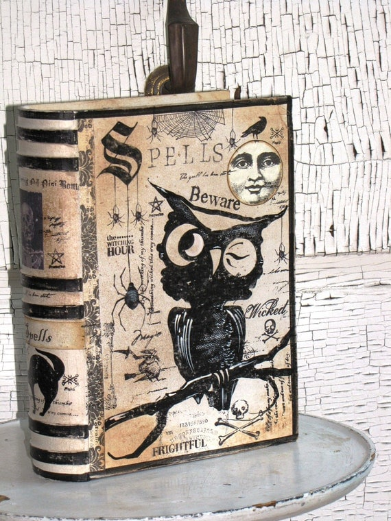 LARGE Vintage Paper Mache Halloween Witch's Book of SPELLS Box PAINTED (Owl)