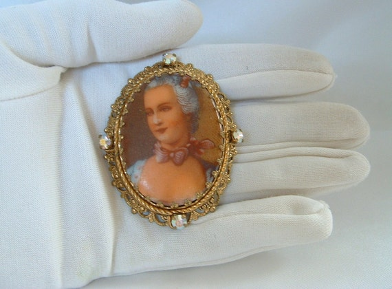 Victorian Lady Porcelain Picture Brooch