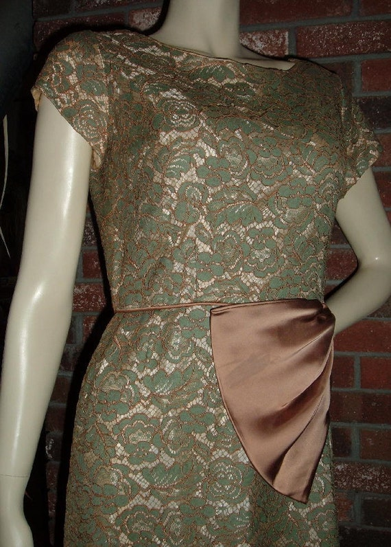 Vintage 50s Green Lace Wiggle Cocktail Party Dress S M with Side Bow