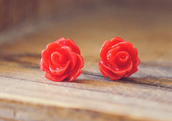 red parade rose flower earrings by yeahhello