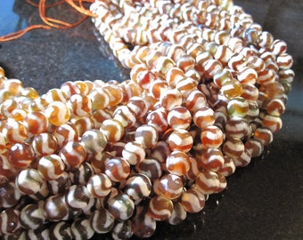 On Sale 8mm Carnelian Agate Tibetan Dzi Faceted Agate Beads with wave design no.3