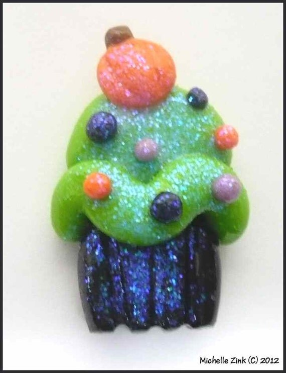 SALE Polymer Clay Bead or Bow Center Halloween Cupcake in Green
