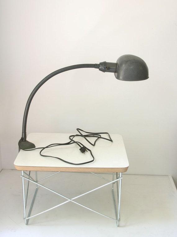 VTG articulated metal desk lamp