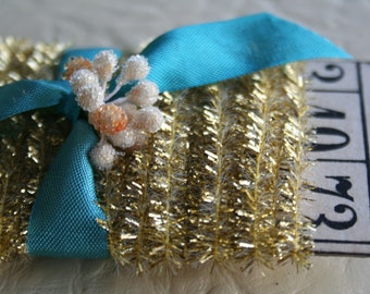 "Tinsel Trim Gold - 1/4"" Tinsel String Card - Mini Tinsel Trim - Tiny Metallic Trim - Gift Wrap Packaging - Tinsel Garland - 12'"