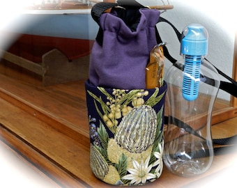 Under the Australian Sun Insulated Water Bottle Carrier, Small for Hot or Cold Use
