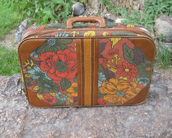 Vintage Mod Earth Tone Floral Over Night Case