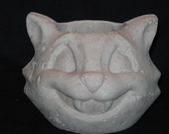 Unfinished paper mache Halloween Cat Basket