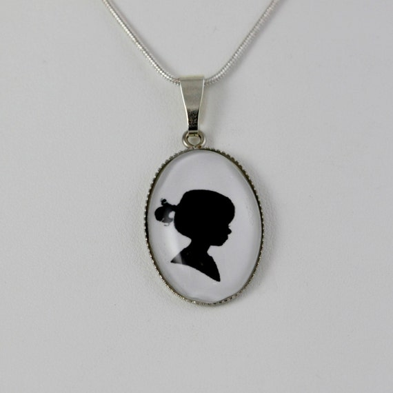 Personalized silhouette pendant necklace custom cameo necklace oval pendant child silhouette jewelry mom gift keepsake