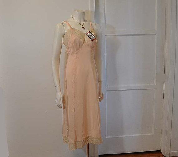 1940s slip / Pink Perfection Vintage 40's Sallyette Slip Never Worn Org Tag