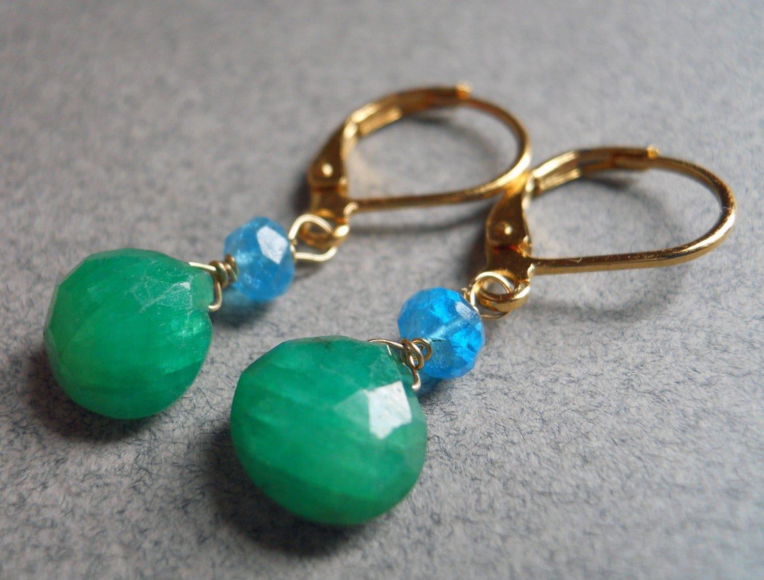 Killarney emerald and apatite lever back drop earrings - $42.00 USD