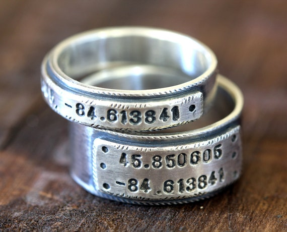 wedding ring set personalized wedding bands by monkeysalwayslook