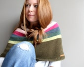 hand knit poncho in NOMAD (sample - 100% merino wool) - thehouseofhemp