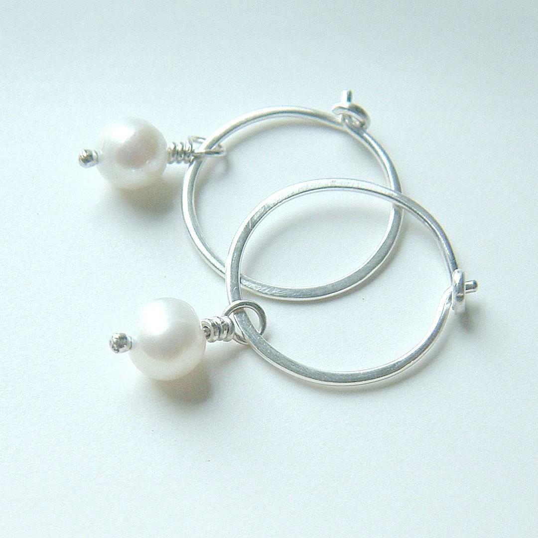 silver hoop earrings small hoop pearl earrings sterling silver. Black Bedroom Furniture Sets. Home Design Ideas