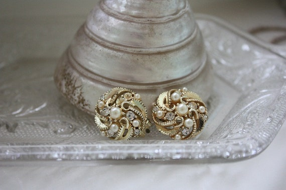 Gold and Pearl Vintage Clip On Earrings