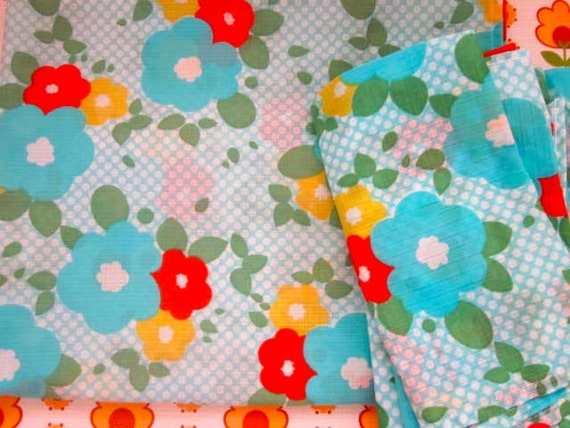 Pretty Blues with Flowers Flowers 1970s Tablecloth And 7 Matching Napkins