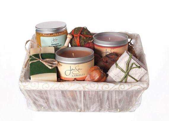 Pamper Her 5 piece Bath and Body Candle Gift Basket, FREE SHIPPING