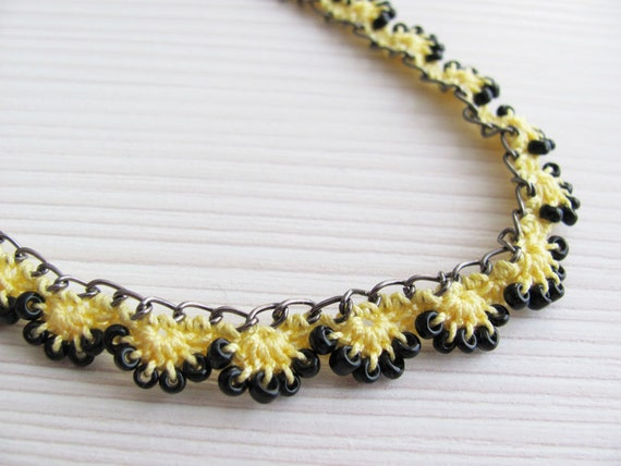 Crochet Tutorial Necklace : Beaded Crochet Chain Necklace Tutorial Pattern by LadyLina on Etsy