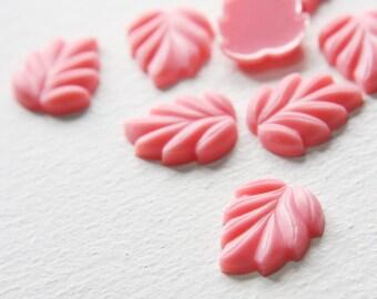 8pcs Acrylic Leaf Cabochons- Pink 22x18mm (40F2)