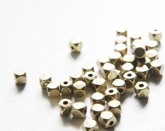 40pcs Antique Brass Tone Base Metal Spacers-Faceted Square 5mm (820X-J-67)