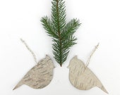 Ornament decoration pair of birch bark birds, Tufted titmouse