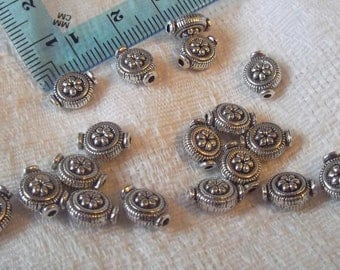 Antique Silver Beads, Flat Round, Daisy 10X8X4mm, 20 Pcs   no. 145614