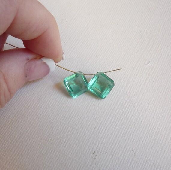 MOVIE Star Good Looks Columbian Emerald Cushion Doublet Set