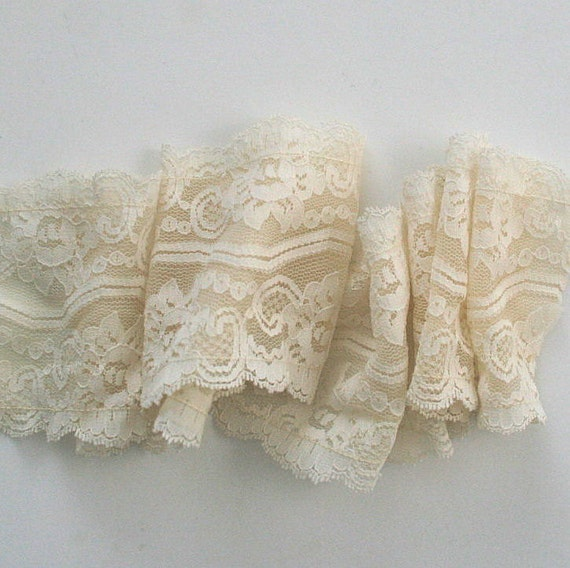 1 YD Vintage Cream Lingerie Lace Insertion Wide Free Shipping