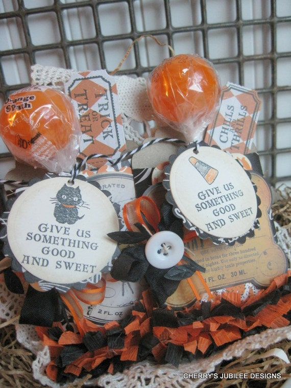 vintage style halloween APOTHECARY labels mini pockets with hand stamped tickets and lollipops with tags gift set