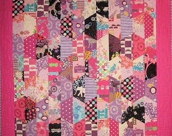 Patchwork Quilt - pink and black Echino Hexcentric throw quilt