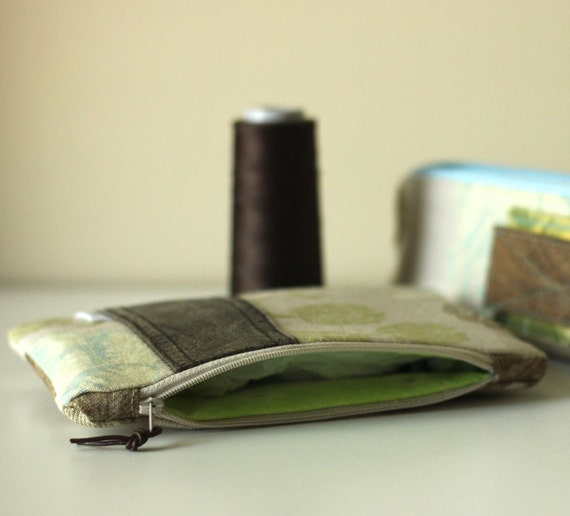 Zippered Clutch Pouch in Recycled Leather & Linen