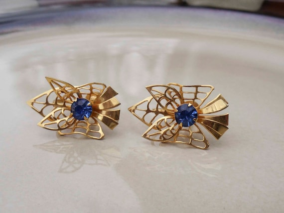 Vintage Bugbee and Niles gold sapphire earrings
