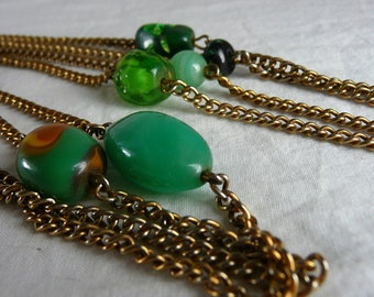 Vintage green and gold necklace - circa 1940s