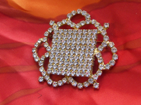 Couture Rhinestone Vintage Gold Costume Brooch